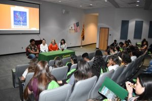 Vidas Brillantes student panel